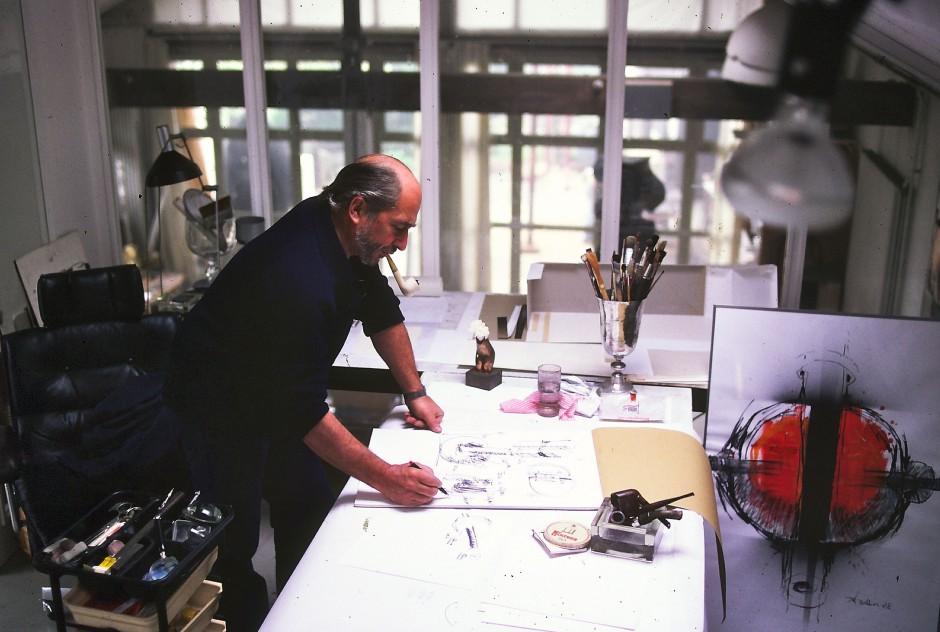 André Bucher dans son atelier à Choulex, 1979