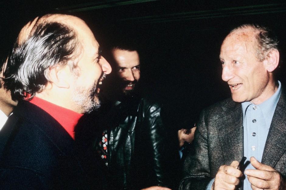 André Bucher avec Haroun Tazieff, vulcanologue. Le déclic de la sculpture avec la lave 1976